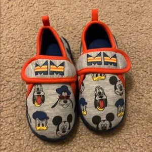 Mickey Mouse and Friends Slippers for Kids - NWOT